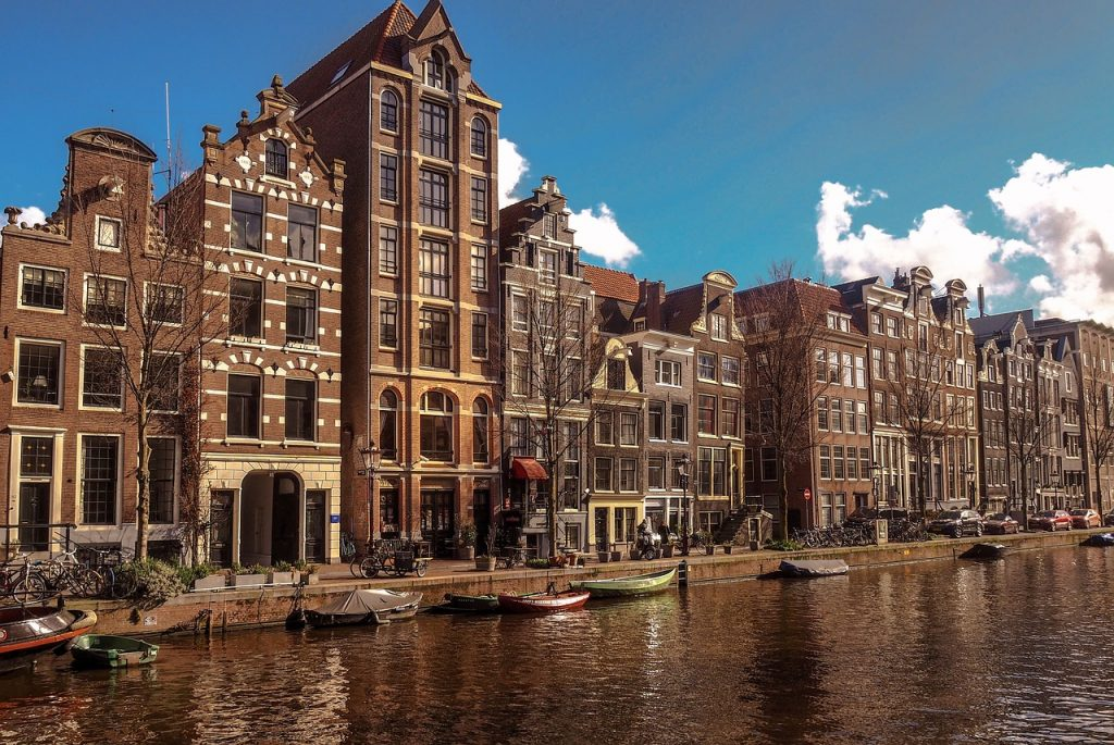 Investments in the Netherlands: why it is profitable to invest in the economy of the country