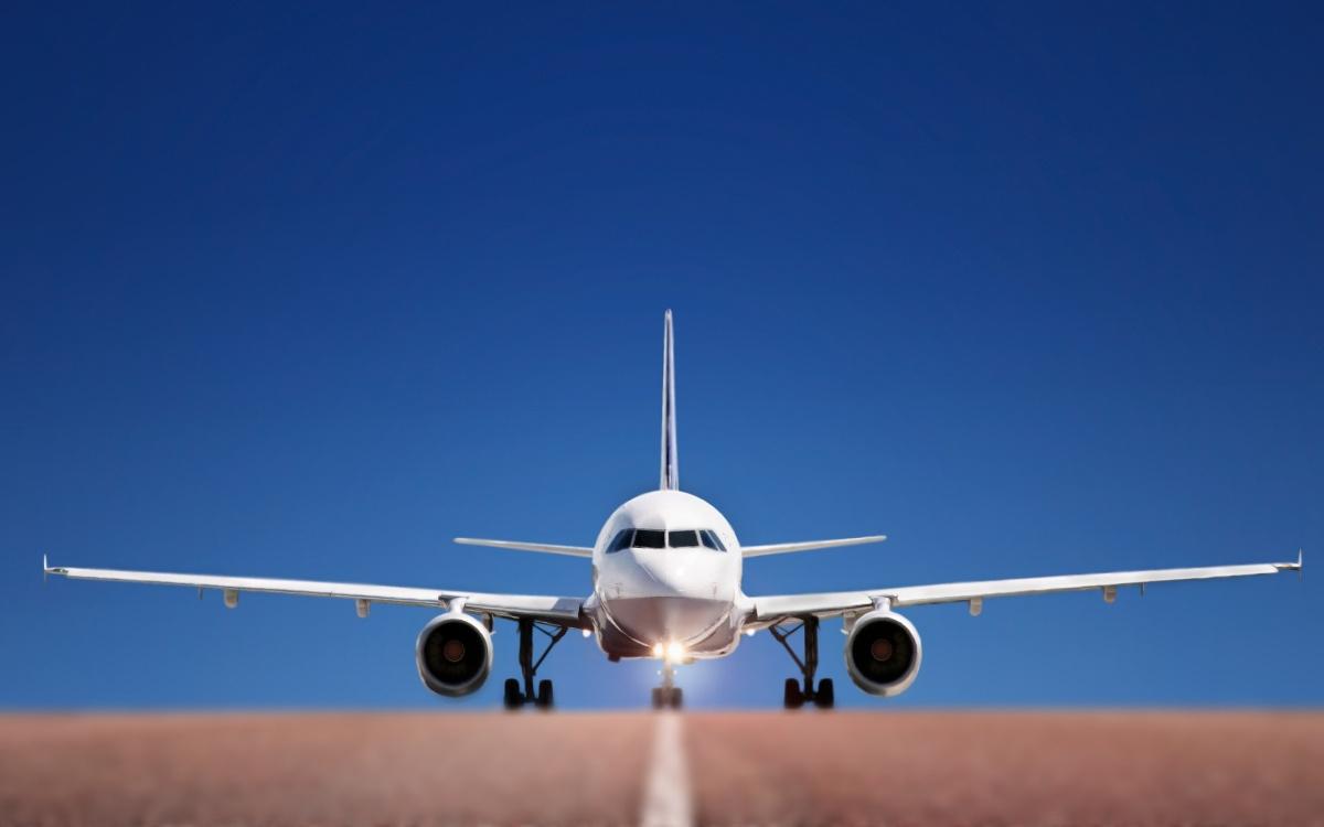 США вводит пошлины на самолеты из Европы